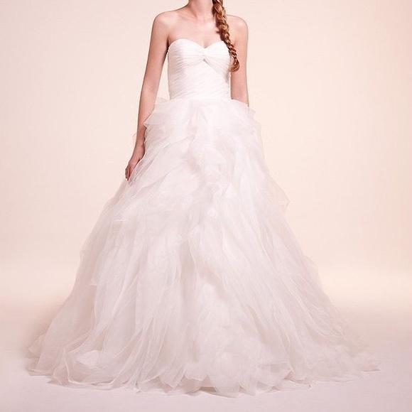 2800 Alita Graham Kleinfeld Wedding Dress 7810